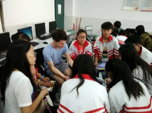 teaching-chinese-secondary-school-students-how-to-use-an-ipad
