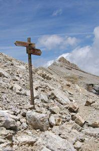Sasso Croce signpost