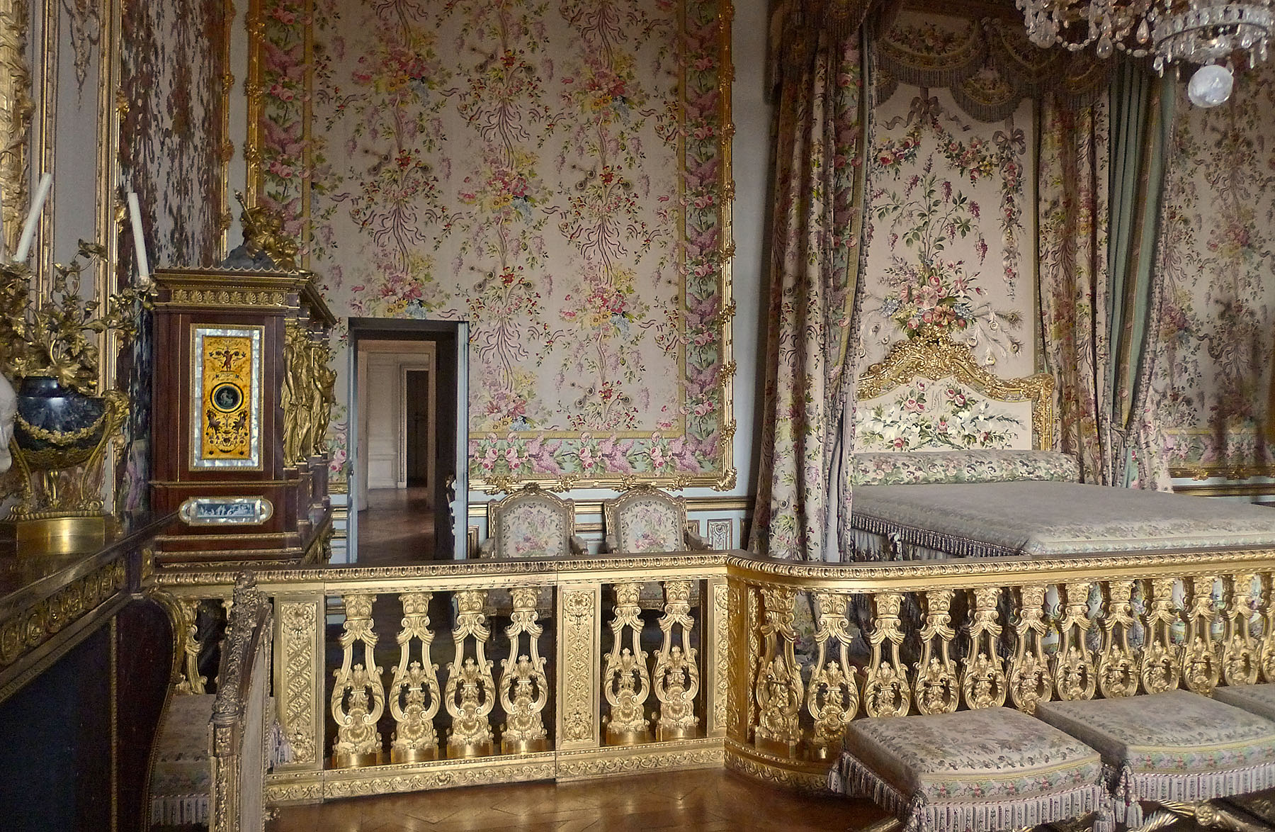 Pleasing This Is Versailles The Queens Bed Chamber Home Interior And Landscaping Palasignezvosmurscom
